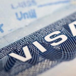 Иностранным студентам, возможно, придется повторно подать заявку на пребывание в США каждый год