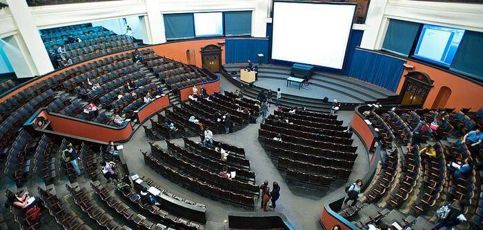 University of Toronto в Онтарио - Курсы английского