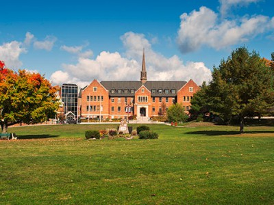 Algoma University в Онтарио