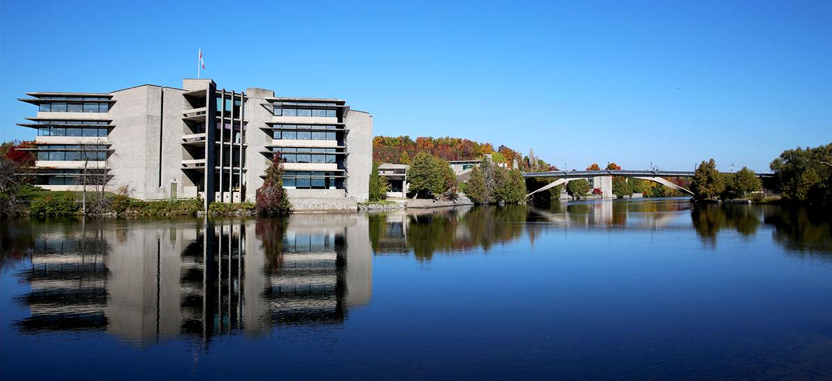 Trent University в Канаде
