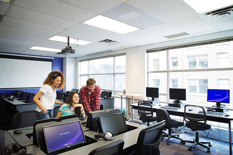 Летние курсы английского для подростков от Kaplan в Ванкувере