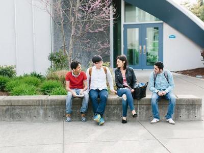 Школа английского языка Kaplan в Сиэтле - Факты